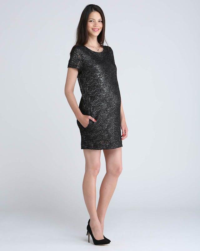 Une robe irisée large, pour une touche discrète et         raffinée