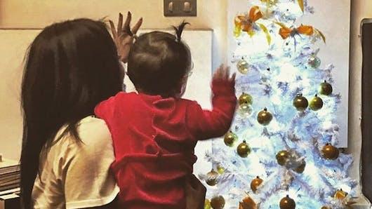 Amel Bent prépare Noël avec sa fille (PHOTO)