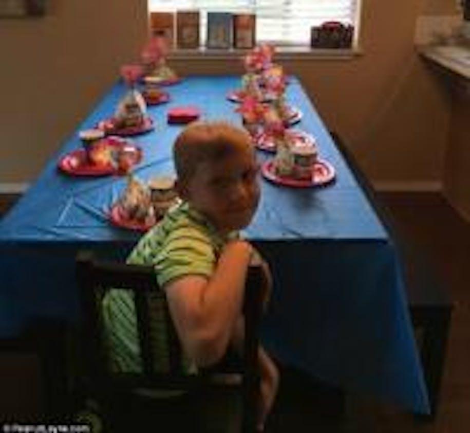 La colère d'une maman à propos de l'anniversaire de        son fils