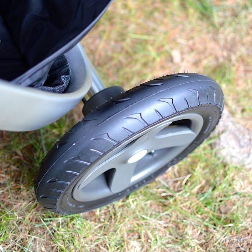 Poussette Xplory de Stokke - roue arrière pneus