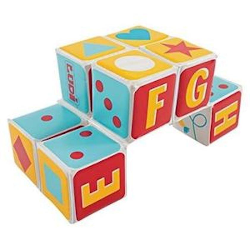 Cube magique en tissu, Ludi, 17 €. Dès 10 mois.