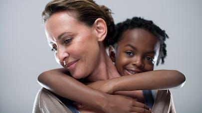 Angelina Jolie : la mère biologique de Zahara veut revoir   sa fille