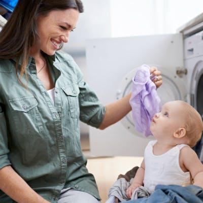 Dosettes de lessives: attention, danger pour les yeux des enfants!