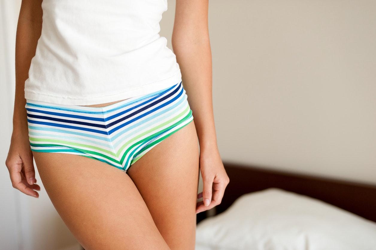femme sous vêtements
