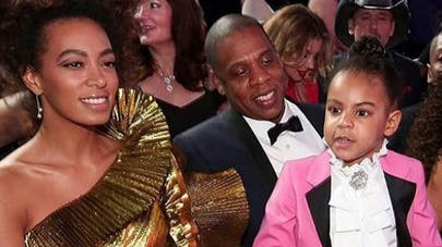 Trop chou, Blue Ivy vole la vedette à Beyoncé aux Grammy Awards (video)