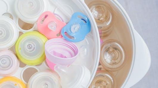 Stérilisation des biberons : une pratique toujours  d'actualité ?