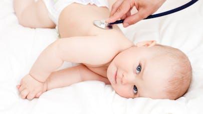 Bronchiolite: on sait pourquoi elle ne touche que les nourrissons