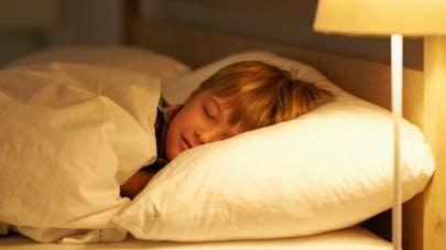 Enfants: les conseils pour assurer un sommeil de qualité