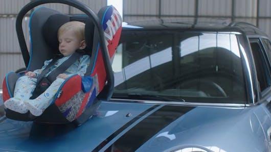 Insolite : une application imite le bruit de moteur pour endormir bébé (VIDEO)