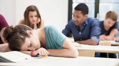 De mauvaises habitudes de sommeil altèrent le cerveau des adolescents