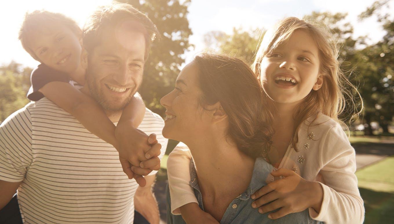 Congé parental, allocations familiales : les changements  attendus en 2015