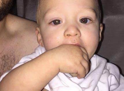 il découvre le cancer de son fils en le prenant en photo
