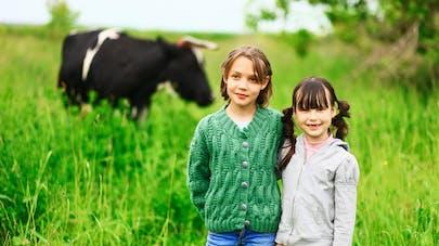 Pourquoi les enfants qui grandissent à la ferme ont moins d'allergies