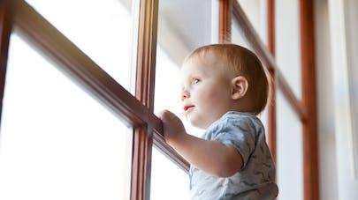 Hauts-de-Seine: un enfant de 2 ans chute du 15e étage
