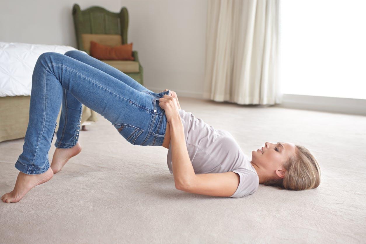 Mal au dos: et si le coupable était le jean skinny?