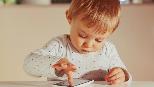 A 4 ans, il sauve sa maman grâce à l'application Siri