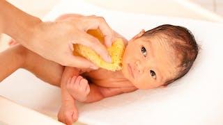 bain d'un nouveau né