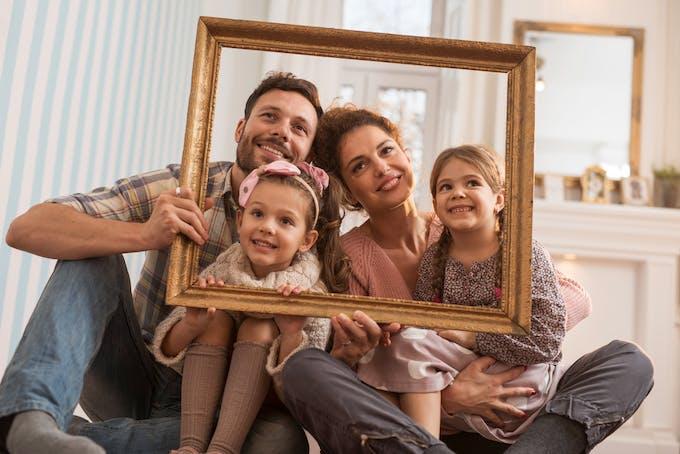 famille dans un cadre