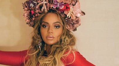 Beyoncé : pourquoi sa grossesse a-t-elle transformé son visage ? (PHOTOS)