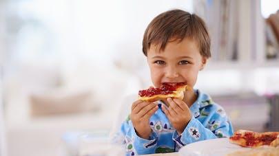 Petit déjeuner des enfants : céréales, tartines ou gâteaux ?|parents.fr | PARENTS.fr