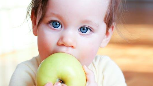 Eveil de bébé ? Comment développer son sens du goût ?