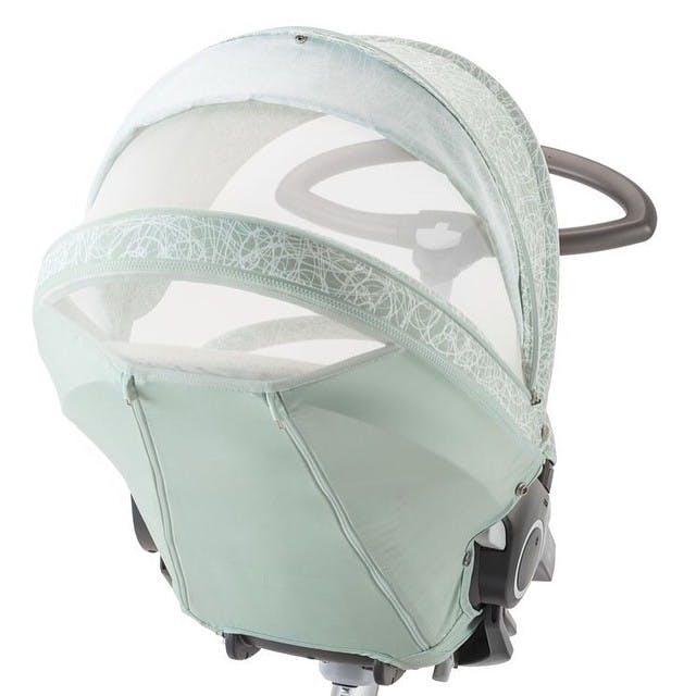 Poussette Xplory de Stokke - canopy avec fenêtre d'aération