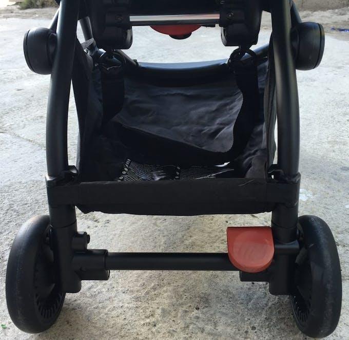 Poussette Yoyo + de Babyzen - frein parking blocage directionnel automatique