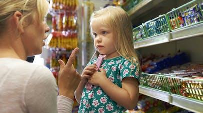 Marketing alimentaire destiné aux enfants: halte aux mascottes sur les emballages