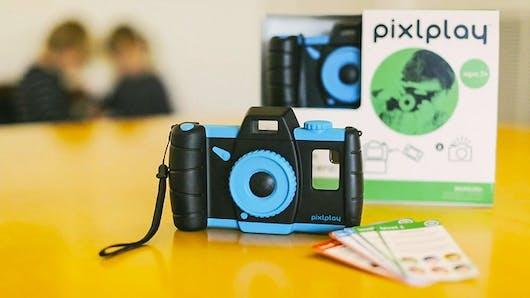Pixlplay, l'accessoire qui transforme votre smartphone en appareil-photo pour enfants