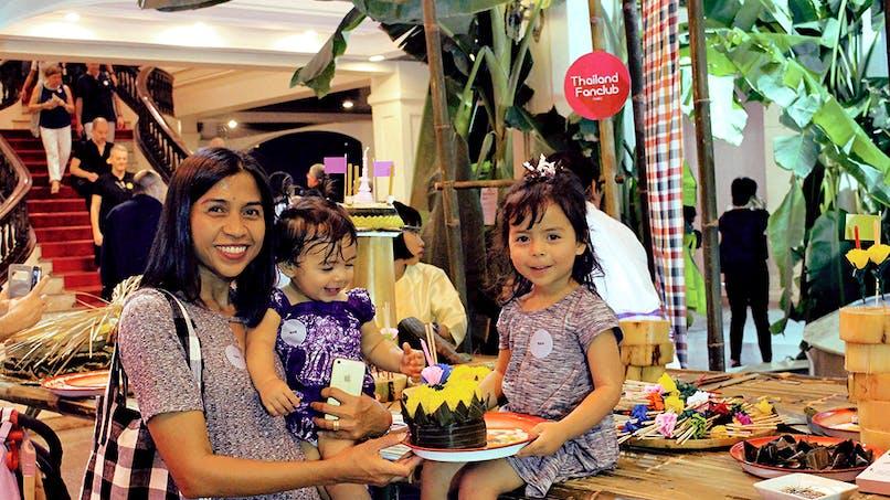 une maman thaïlandaise et ses filles