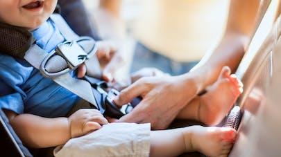 Une pointe dans le siège-auto d'un bébé lui lacérait le dos depuis presque deux ans