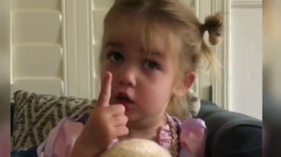 Une petite fille raconte sa rentrée en maternelle, et elle a détesté ça ! (VIDEO)