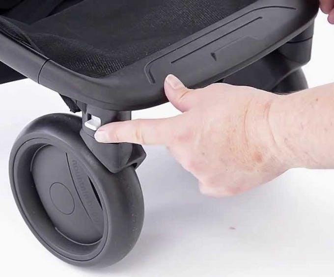 Poussette Nano V2 de Mountain Buggy - blocage roues avant pivotantes