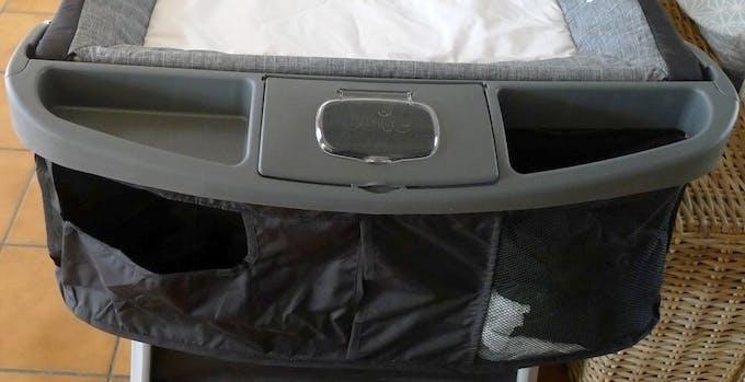 Lit parapluie Illusion de Joie - tablette de rangement