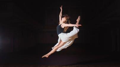 Une danseuse de l'Opéra virée à cause de sa grossesse ?