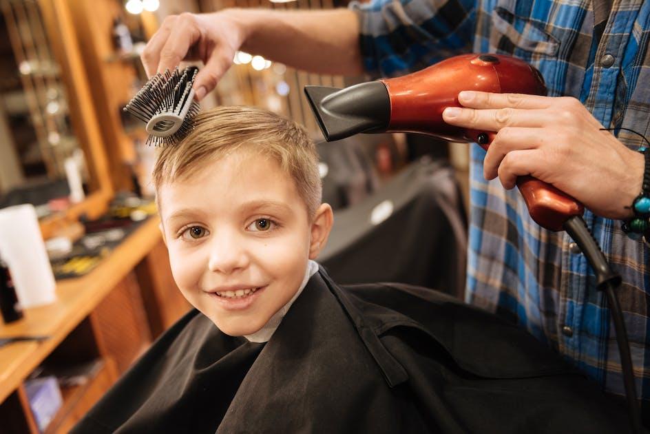 30 coiffures tendance pour petit gar on for Coupe de cheveux fille de 12 ans