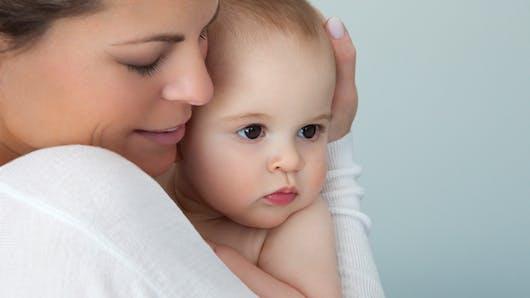 Cajoler son bébé: c'est indispensable à son bon développement