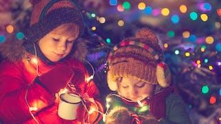 deux enfants à Noel