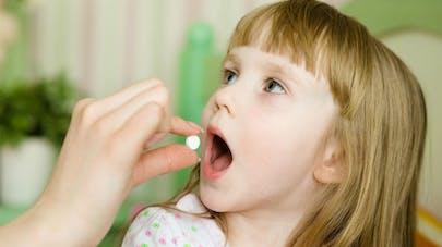 Obésité : un lien avec une exposition aux antibiotiques avant l'âge de 2 ans