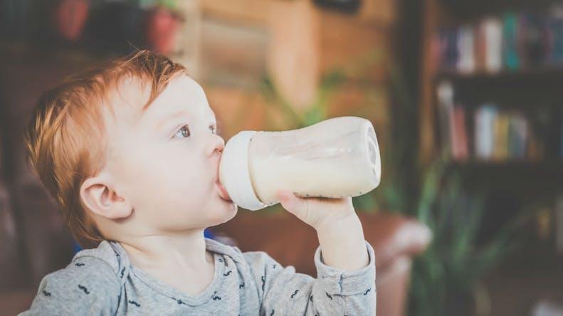 Laits infantiles contaminés: l'alerte prend de l'ampleur