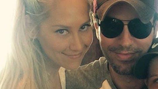 Surprise ! Enrique Iglesias et Anna Kournikova parents de jumeaux