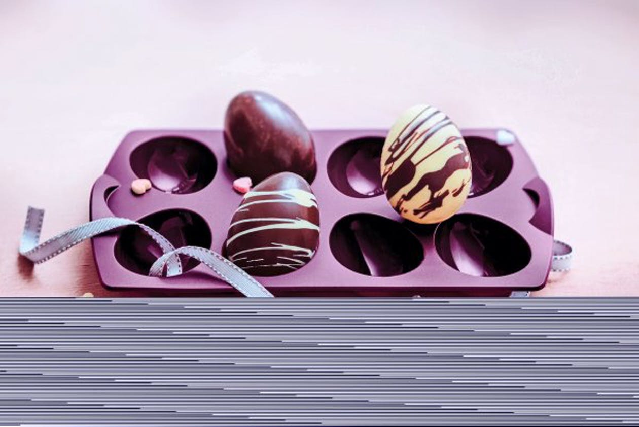 Pâques : Moule à œufs en silicone