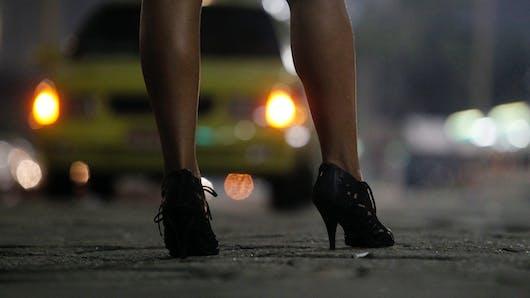 Royaume-Uni : une prostituée retourne travailler 30 minutes après son accouchement