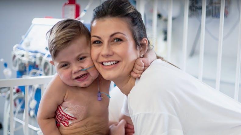 Une mère donne deux organes pour sauver son fils malade