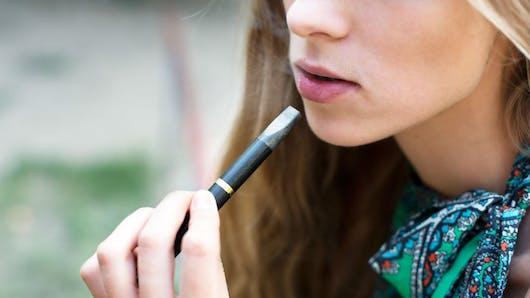 L'e-cigarette augmente le risque de tabagisme chez les jeunes