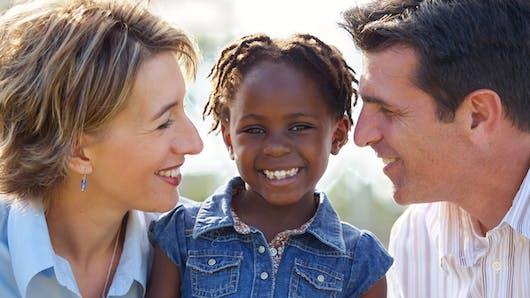 Adoption internationale: en baisse de 50 % en 5 ans