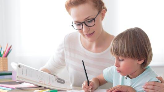 """Troubles """"dys"""": un guide de parcours pour les parents"""