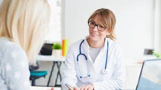 femme chez le medecin