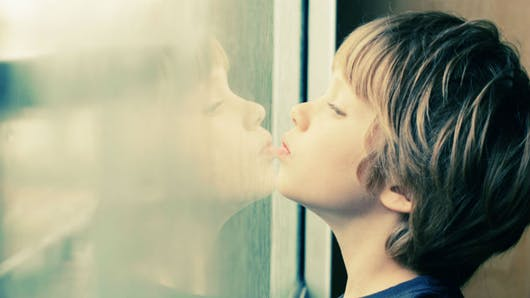 Autisme : comment favoriser un dépistage plus précoce