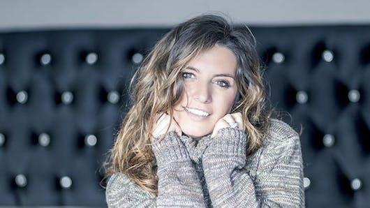 Laetitia Milot soigne son look de grossesse sur les réseaux sociaux